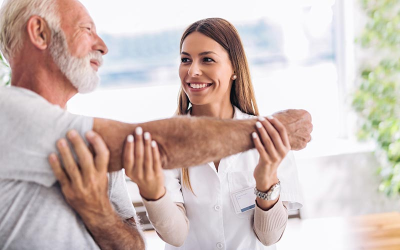 Therapist providing skilled nursing and rehabilitation in Aurora, Colorado