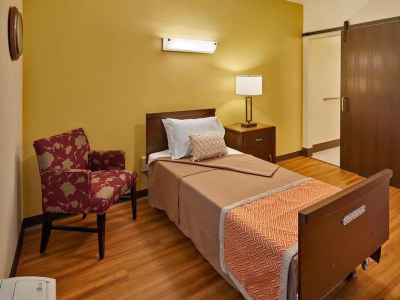 Private rehabilitation suites in Aurora, Colorado